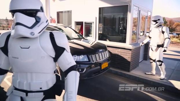 Stormtroopers recepcionam e surpreendem funcionários da ESPN nos EUA