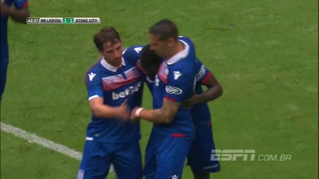 Leipzig sai na frente, mas Stoke City reage e vence de virada em amistoso