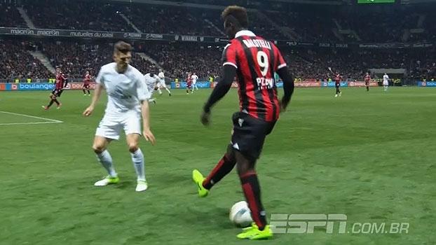 Esquentou o clima! Balotelli 'faz graça' e irrita jogadores do PSG