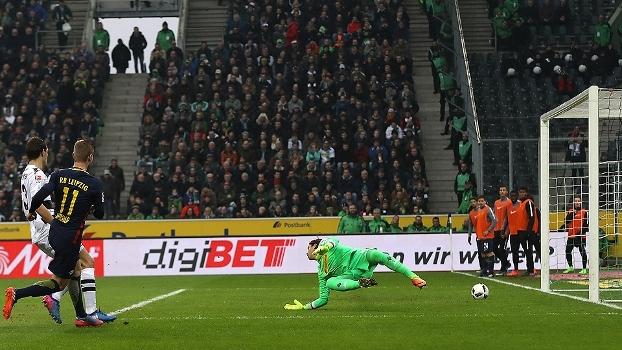 Assista aos gols da vitória do Leipzig sobre o Borussia M'Gladbach por 2 a 1