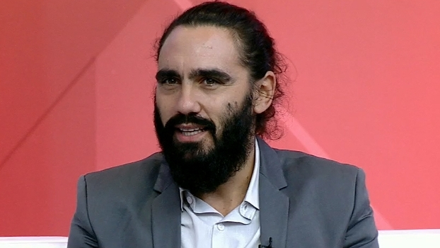 Sorin comenta expulsão de Róger Guedes: 'Quem colocou essa regra jogou futebol?'