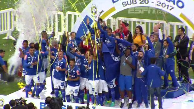 Veja os melhores momentos da vitória do Cruzeiro sobre o Coritiba nos pênaltis pela final do Brasileiro sub-20