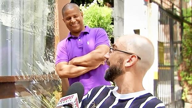 20 anos depois, ESPN junta Marcelinho Carioca e torcedor que pegou camisa do gol de placa