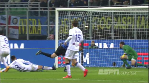 Tempo real: GOL da Internazionale! D'Ambrosio cruza da direita e Icardi antecipa a marcação para ampliar