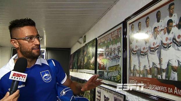 Pabón no camarote e show de Luis Fabiano; São Paulo goleia time de zagueiro campeão pelo clube em 2005