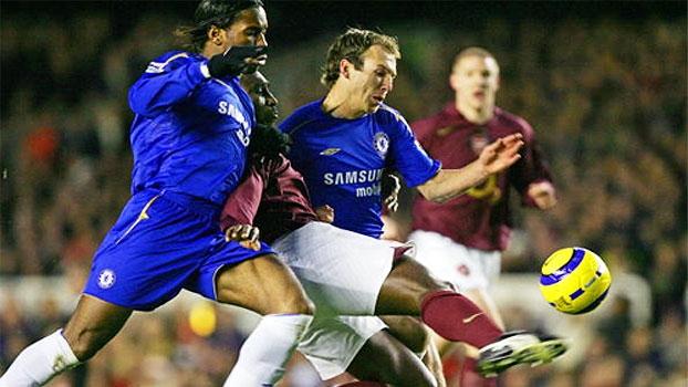 Com gols de Robben e Joe Cole, Chelsea bateu Arsenal, de Henry, em pleno Highbury em 2005