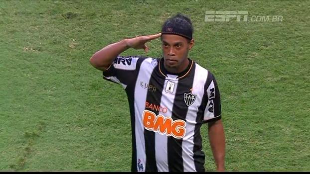 Vitória fez 2 a 0, mas Atlético-MG buscou empate com dois gols de Ronaldinho Gaúcho em 2013