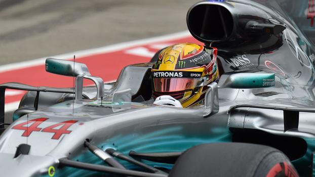 Veja momentos do treino classificatório da F1 no Japão, liderado por Lewis Hamilton