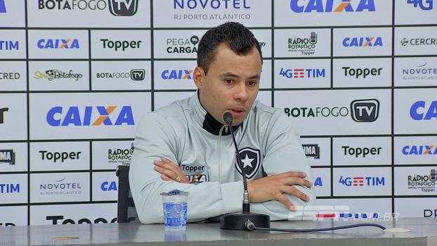 Jair diz que o Botafogo 'pagou o preço de jogar 110%, 120%', não aponta culpados e nem desculpas