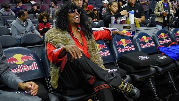 7a68ea9cb3 NBA volta com cumprimento - bem e mal - ensaiado