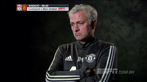 Mourinho abre o jogo sobre como trata jogadores e esbanja 'jeitão' ao falar sobre clássico com Liverpool: 'É só um jogo'
