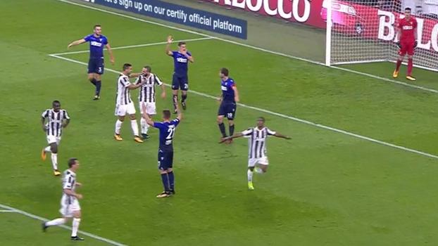 Veja o primeiro gol de Douglas Costa com a camisa da Juventus