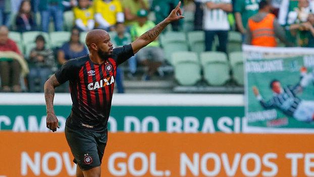 Brasileiro: Gol de Palmeiras 0 x 1 Atlético-PR