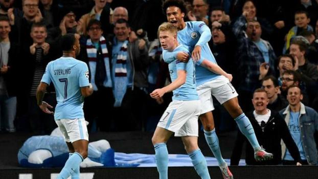 City cava cinco pontos de vantagem com recorde para Aguero