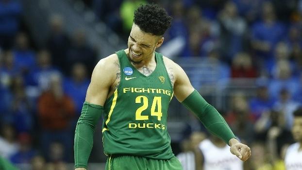 Oregon vence Kansas por 74 a 60 e está no 'Final Four' após 78 anos