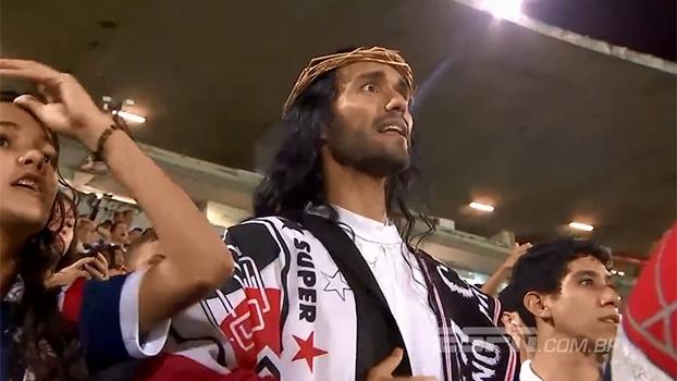 'Jesus tricolor', funcionários apaixonados e torcida fiel: o retorno do Santa Cruz à elite do Brasileiro