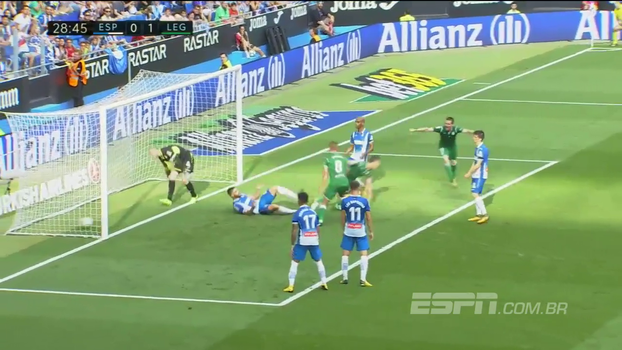 Goleiro faz duas defesas incríveis, mas não impede gol da vitória do Leganés sobre o Espanyol