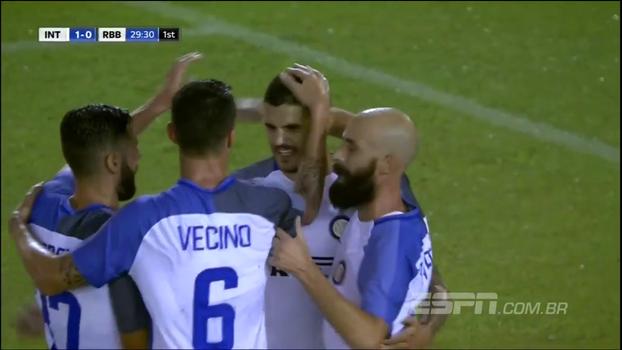 Icardi faz de pênalti, e Inter de Milão vence Bétis em amistoso