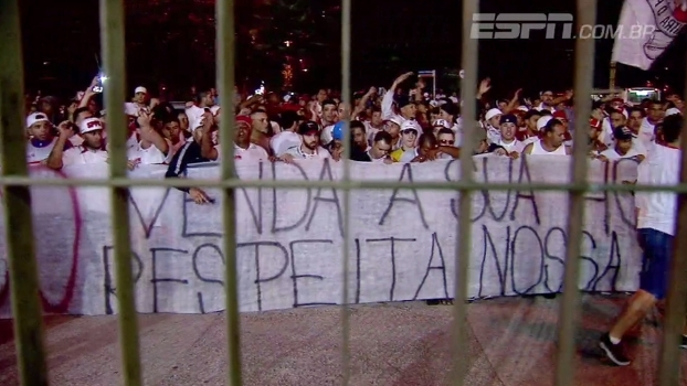 Com protestos da torcida, São Paulo empatou com o Fluminense; Eduardo Affonso mostra como foi