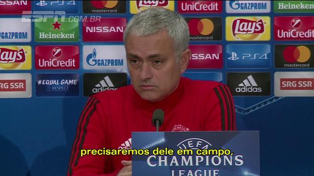 Mourinho diz que Ibrahimovic deve entrar durante jogo do United na Champions