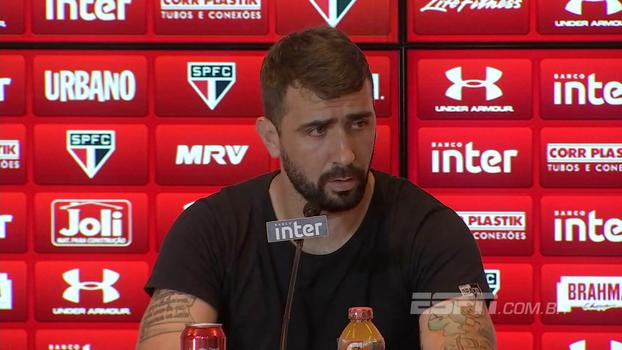 Pratto diz que teve proposta de outros clubes e nega ter saído do São Paulo por dinheiro