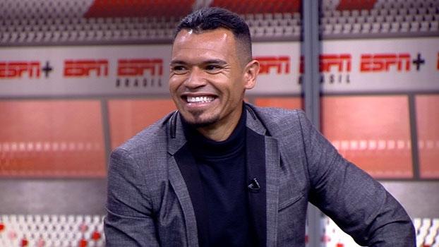 De 'barriga embrulhada', Ceará explica como parou Ronaldinho em 2006