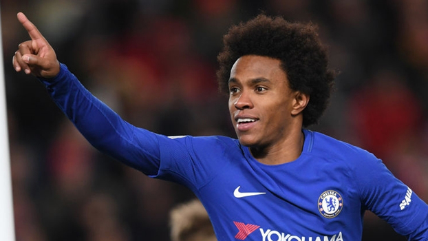Willian celebra gol com a camisa do Chelsea
