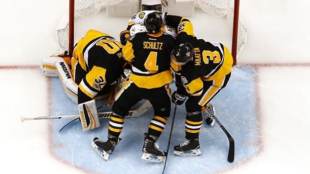 Em Pittsburgh, Penguins vencem Predators de virada e abrem 2 a 0 na final da NHL