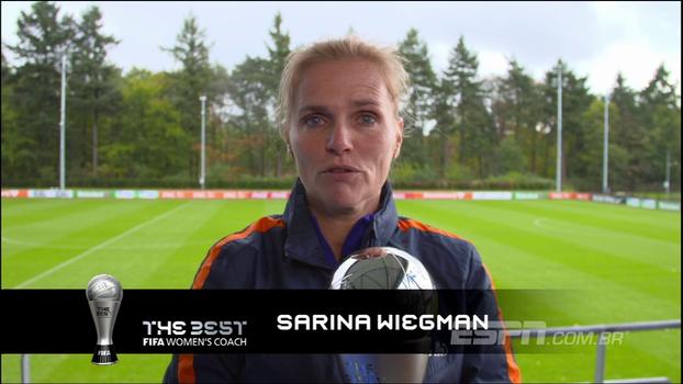 Sarina Wiegman é escolhida a melhor treinadora do futebol feminino pela Fifa