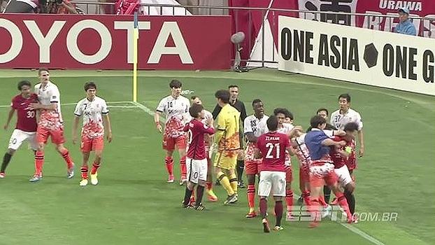 Esquentou! Jogo entre japoneses e sul-coreanos acaba em pancadaria na Champions Asiática