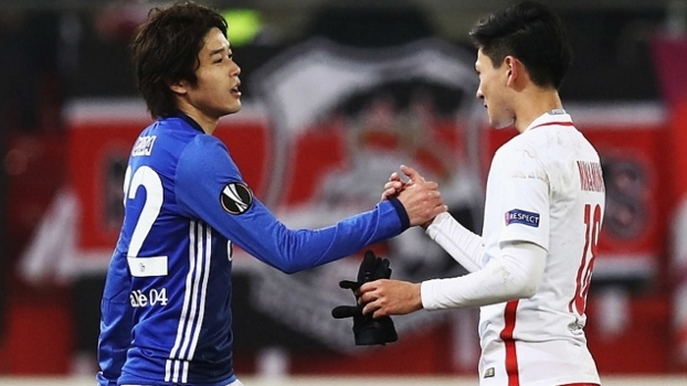 Salzburg tira invencibilidade do Schalke, mas é eliminado no confronto direto