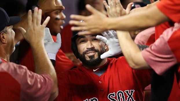 No Fenway Park, Red Sox vencem Angels of Anaheim em dia de homenagem a David Ortiz