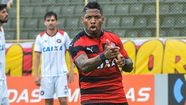 Brasileiro: Gols de Vitória 3 x 2 Atlético-PR