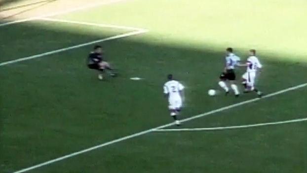 Em 2002, Rodrigo Fabri deu show e comandou goleada do Grêmio sobre o Corinthians no Olímpico