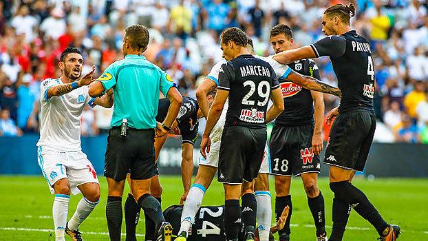 Com Luiz Gustavo em campo e confusão com expulsão, Olympique fica no empate com Angers