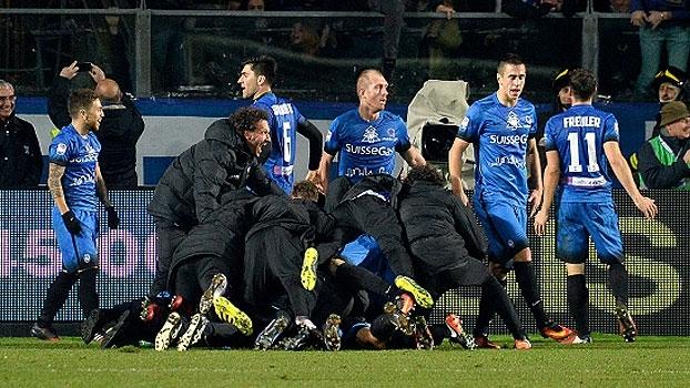 Atalanta vira no último minuto de jogo e volta a vencer no Italiano