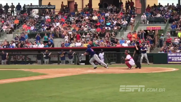 Ex-quarterback da NFL, Tim Tebow segue embalado nas ligas menores do beisebol e anota mais um home run