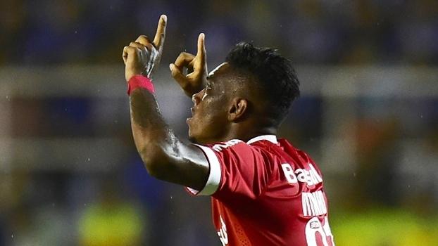 Vitinho diz que seria uma honra jogar no Flamengo: 'Torço desde pequeno'