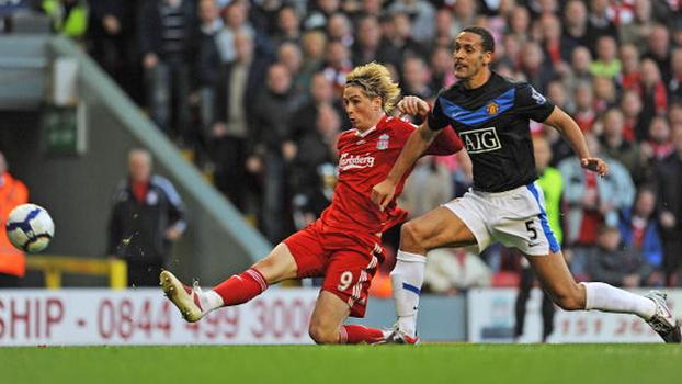 Torres mostrou faro de gol, e Liverpool venceu Manchester United no Anfield em 2009