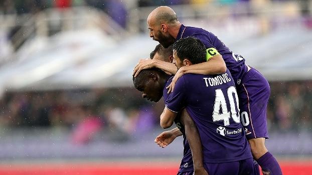 Substituição surte efeito, Babacar resolve e Fiorentina vence Bologna no Italiano