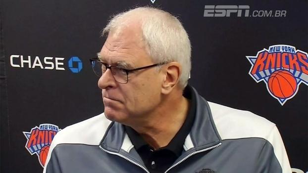 Após demitir técnico, Phil Jackson diz que 'nem por um segundo' pensou em assumir os Knicks