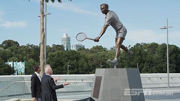 Rod Laver ganha escultura de bronze em frente à quadra central do aberto da Austrália