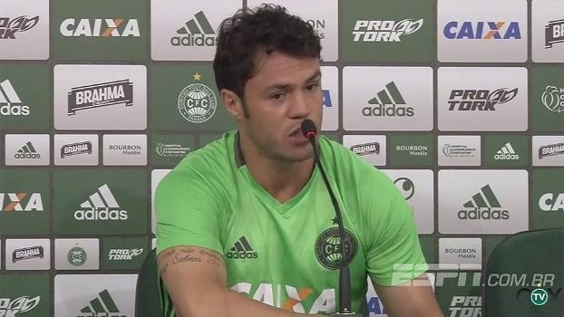 Kléber diz que Coritiba precisa acordar e comenta demissão de Carpegiani: 'Já me acostumei com isso'