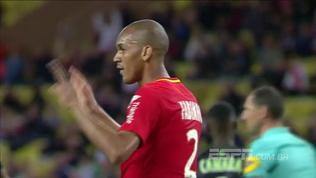 Fabinho marca de pênalti, Monaco atropela Guingamp e continua na vice-liderança