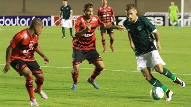 6294f94530872 Assista aos gols do empate entre Goiás e Oeste por 1 a 1!