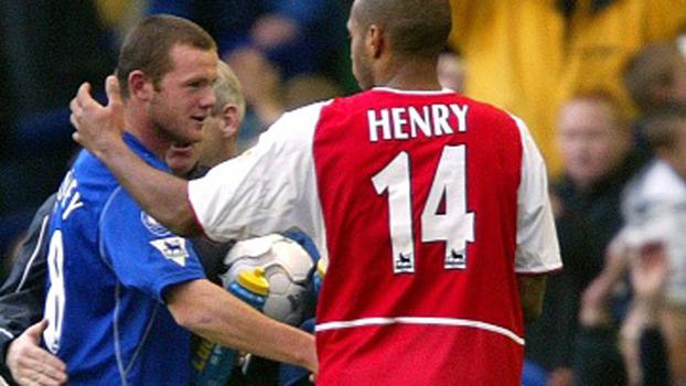 Aos 16 anos, Rooney entrou no segundo tempo e garantiu vitória do Everton sobre o Arsenal em 2002