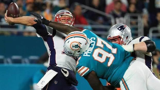 Assista aos melhores momentos da vitória do Miami Dolphins por 27 a 20 sobre o New England Patriots