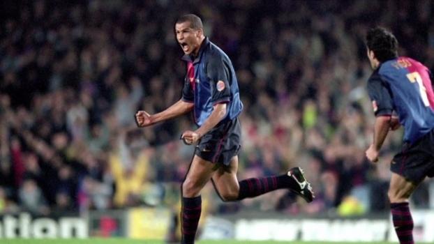 Em 2001, Barcelona de Rivaldo, Overmars e De Boer fez 4 a 1 sobre o Las Palmas no Espanhol