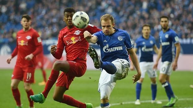 Assista aos melhores momentos do empate entre Schalke 04 e RB Leipzig por 1 a 1