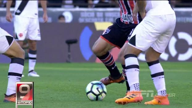 Chapéus de Fagner e Luan, Hernanes escapando de 3 e golaço de Robinho: veja o Top 10 da rodada do Brasileirão